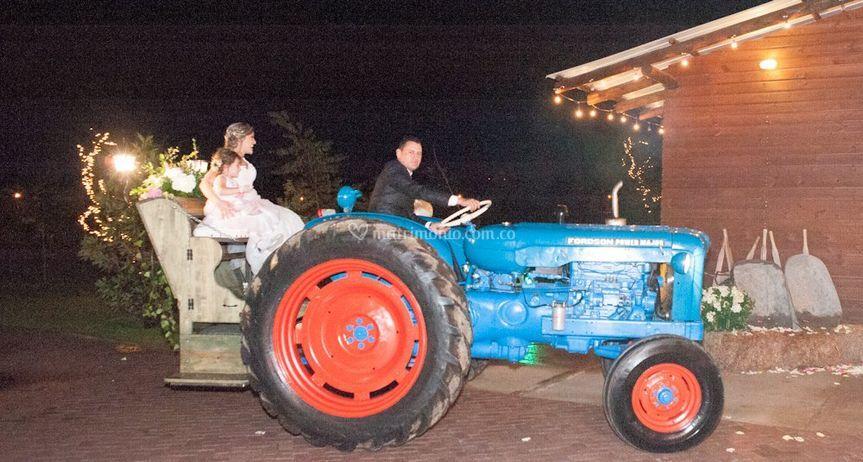 Carroza tractor antiguo Forson