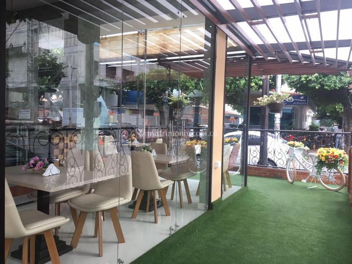 Brunelia Café & Bistró