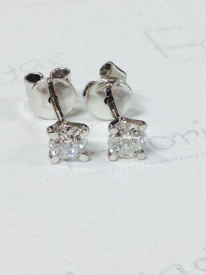 Aretes con diamantes