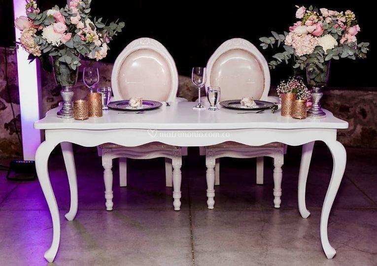 Mesas y sillas de lujo