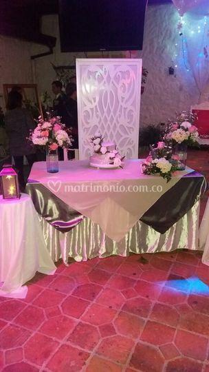 Mesa del pastel clásica