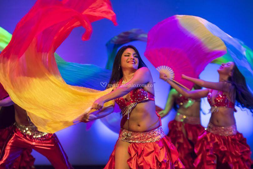 Show grupal de danza arabe