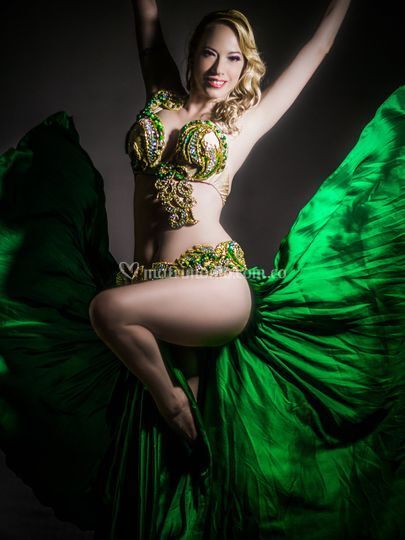 Show de danza arabe solista