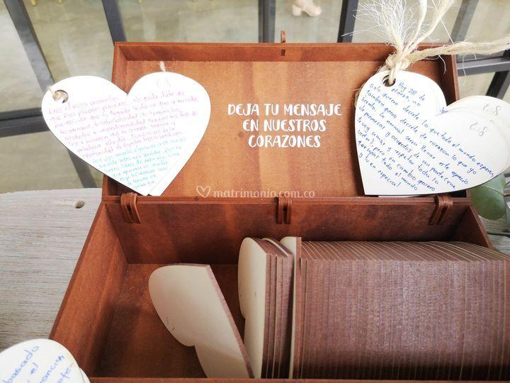 Caja corazones firmas