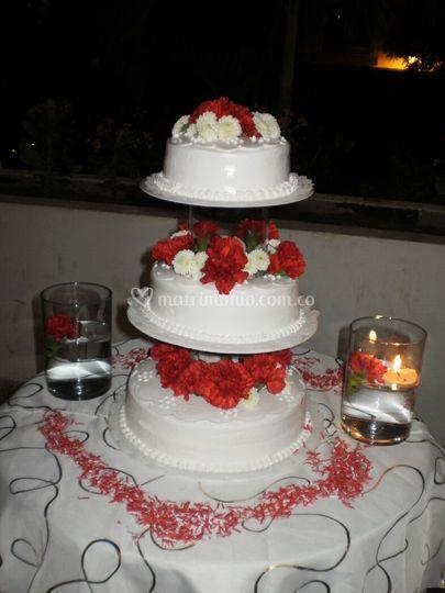 Montaje y decoración de tortas