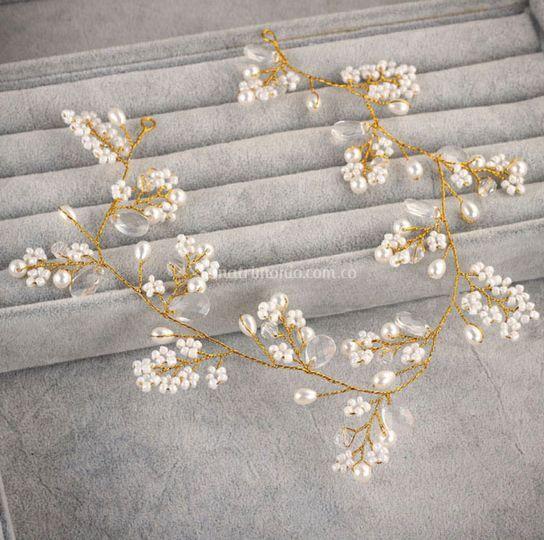 Tiara en Murano perla