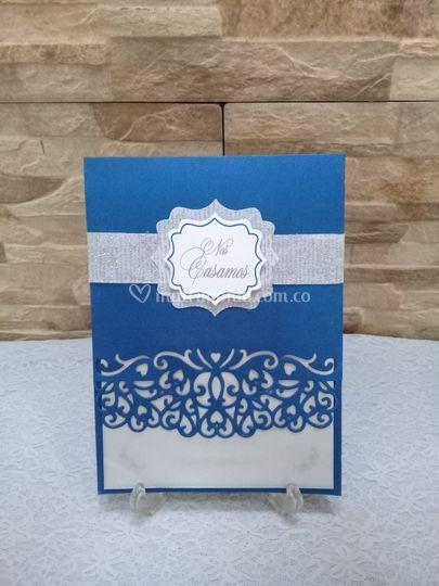 Azul, blanco y plata