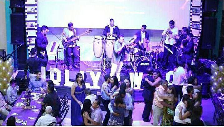Orquesta con rumba en vivo