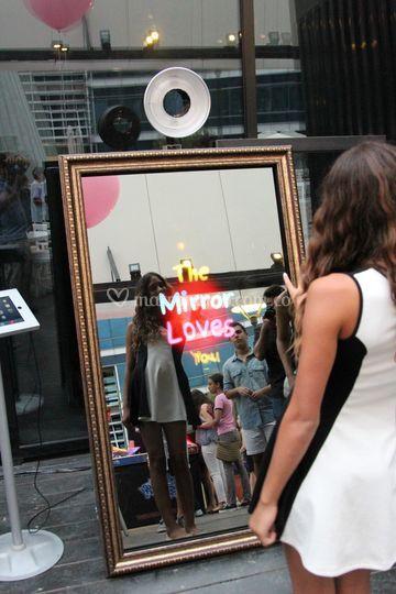El espejo te ama