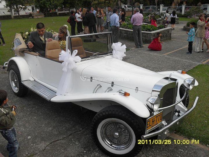 Modelo convertible mercedes