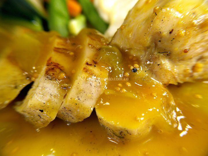 Pollo en salsa mostaza y miel