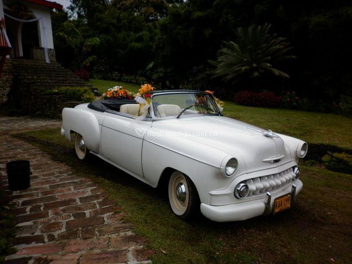 Auto chevrolet belair blanco