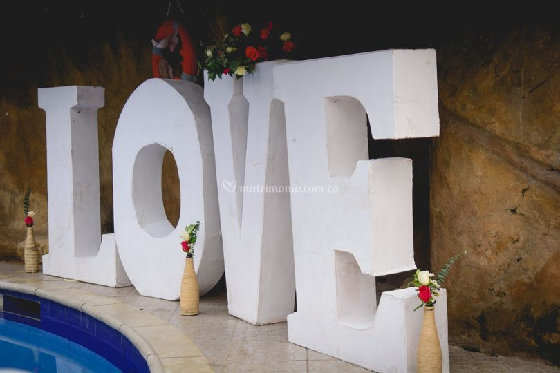 Letrero love