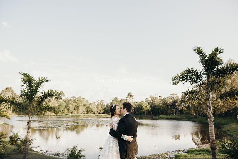 Beso en el lago
