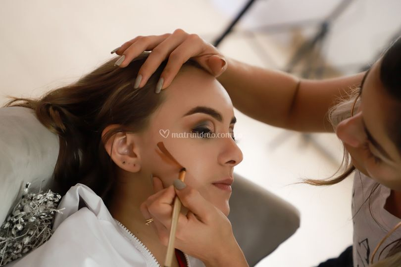 Erika Melo Beauty Makeover