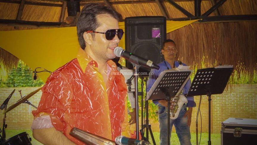 Grupo Caché Cantante