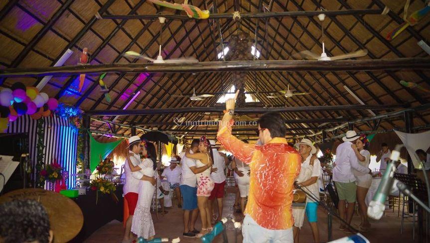 Grupo Caché - Fiesta