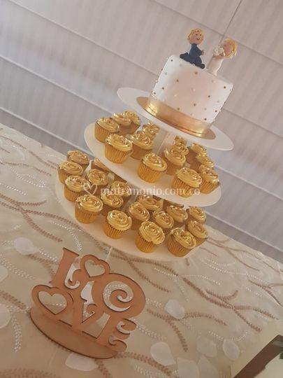 Torta y cupcakes boda