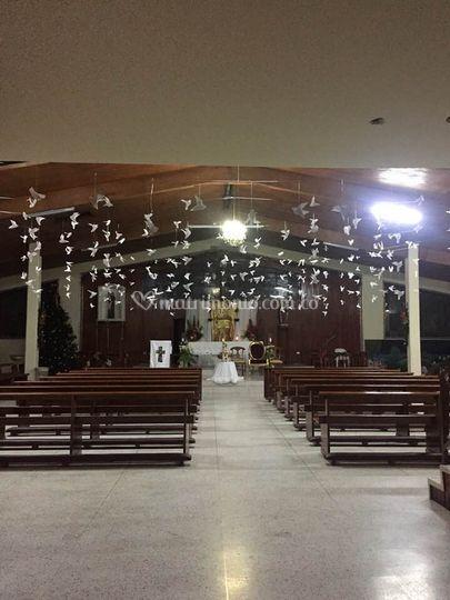 Decoración palomas iglesia