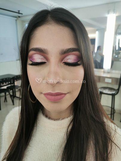 Maquillaje de novia colorido