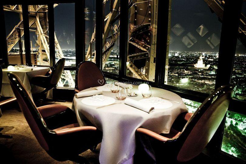 Rest. Jules Verne Torre Eiffel