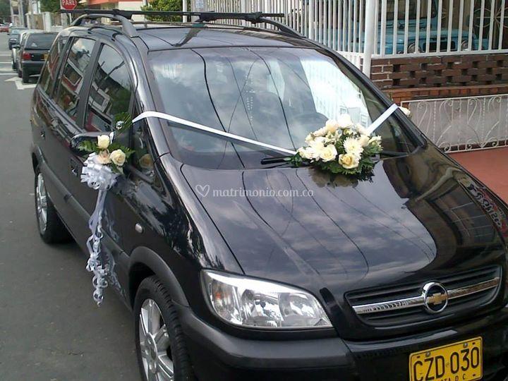 Decoración carro de novia