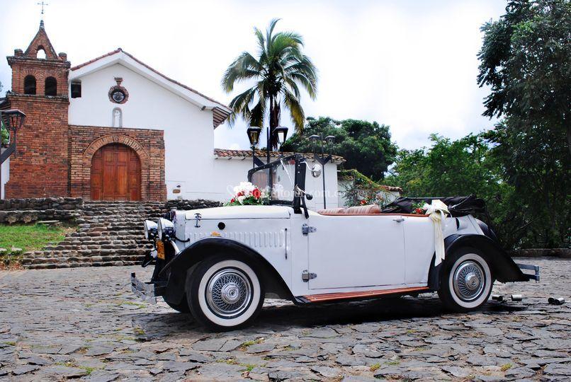 Alquiler carro antiguo blanco