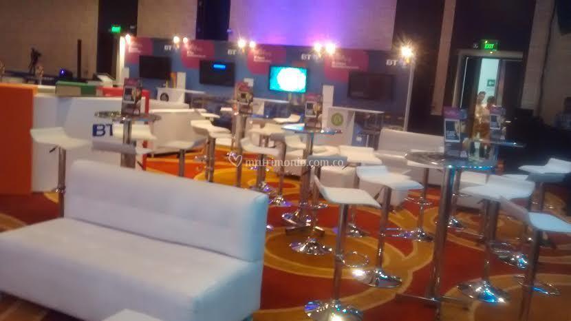 Mesas bar y banquetas