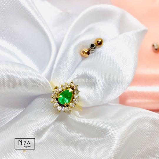 Anillo de compromiso esmeralda