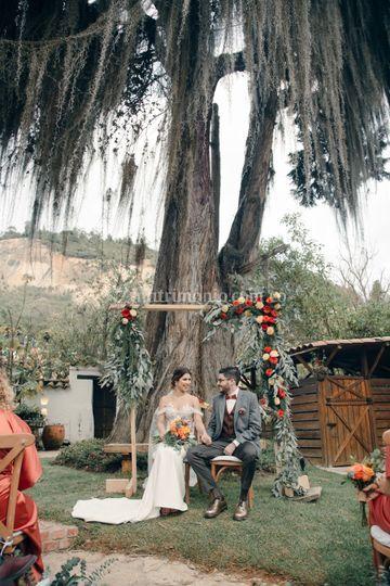 Arco de flores para el altar