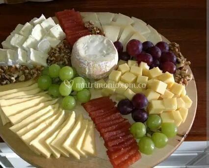 Variedad de quesos jamón
