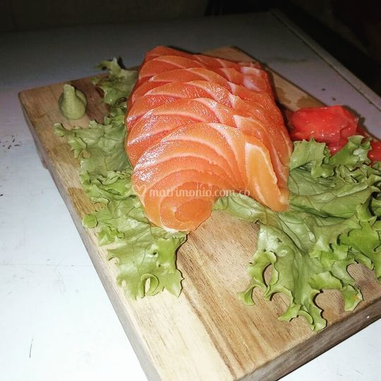 Sashimi de salmon fresco