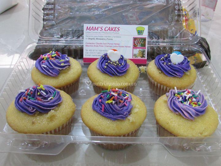 Cupcakes rellenos varios color
