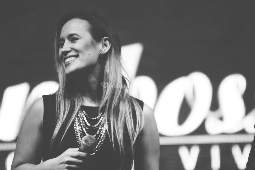 Paula Cardona cantante Mamboss