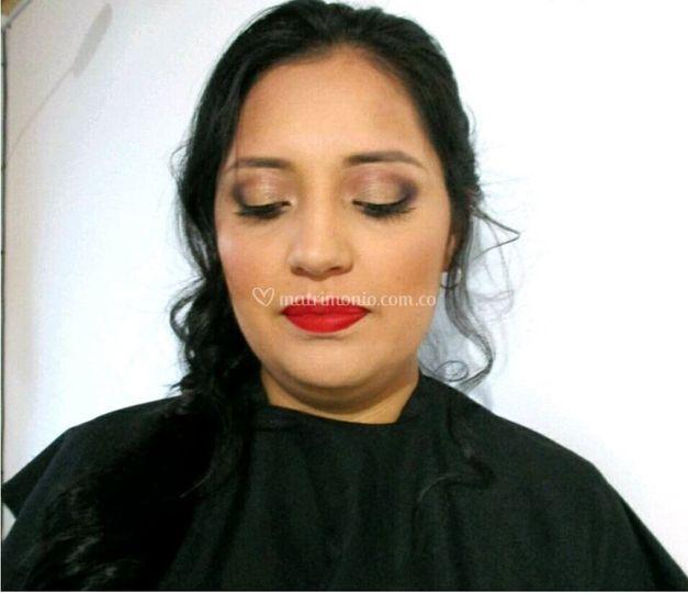 Jeniffer Eckar Make up