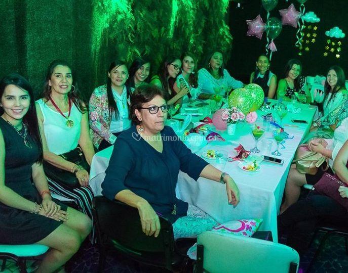 Celebración de amigos