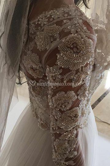 Vestido bordado a mano