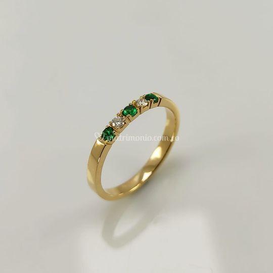 Oro, diamantes y esmeralda