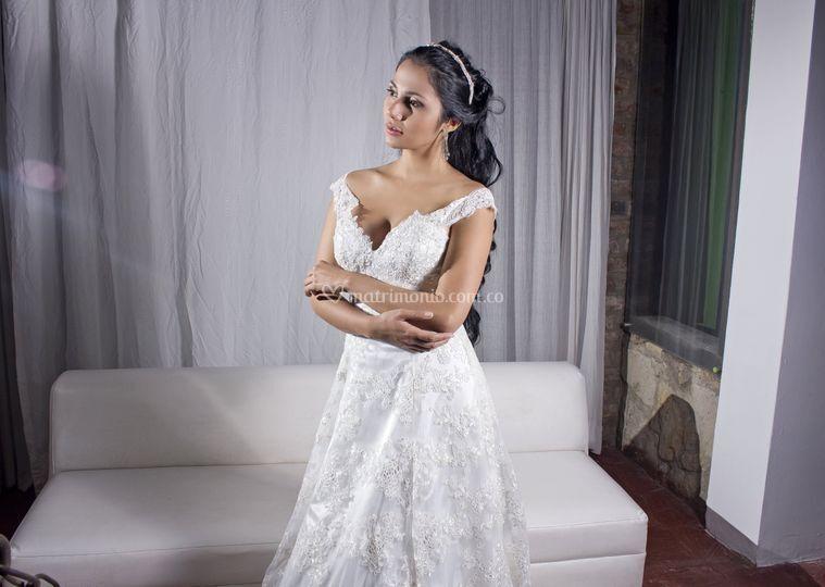 clase alta novias extranjeras trabajo de mano