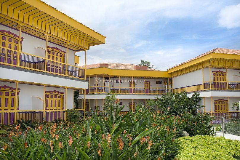 Jardines y casas Coloridas