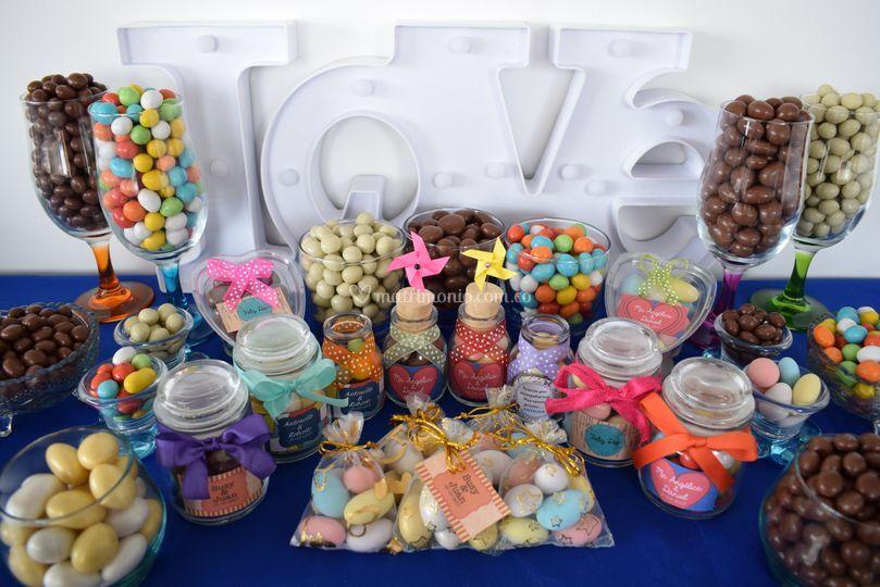Mesas de dulces y recordatorio