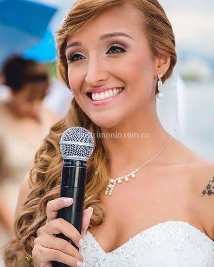 Hermosa novia natural