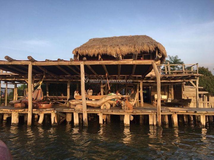 Construido con madera del mar