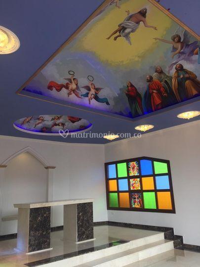 Capilla, frescos y altar