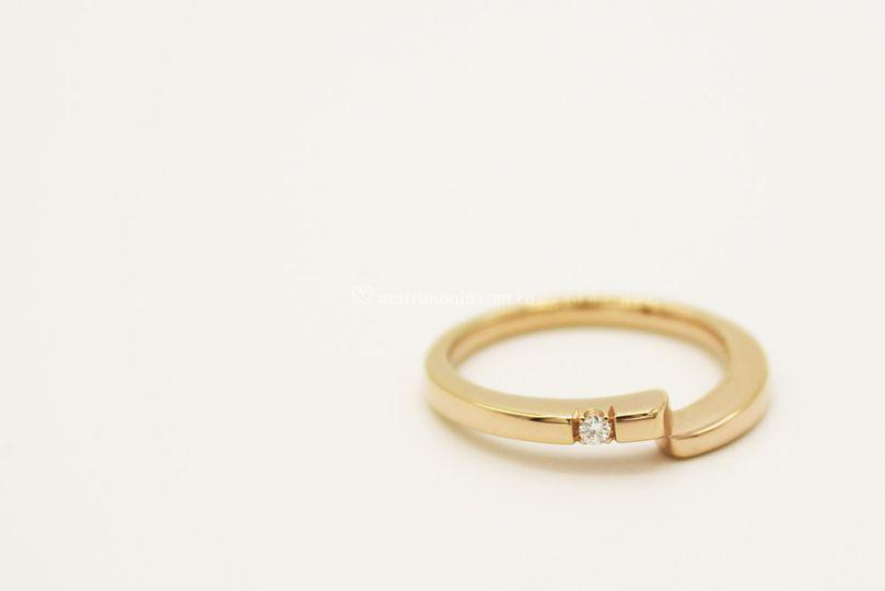 Oro rosado 18K, Diamante