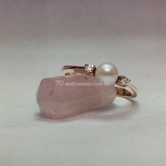 Perla natural oro y diamantes