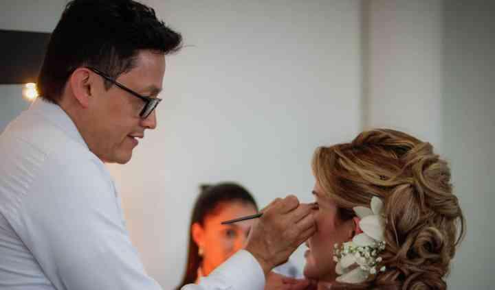 Retoque de Maquillaje y Peinad