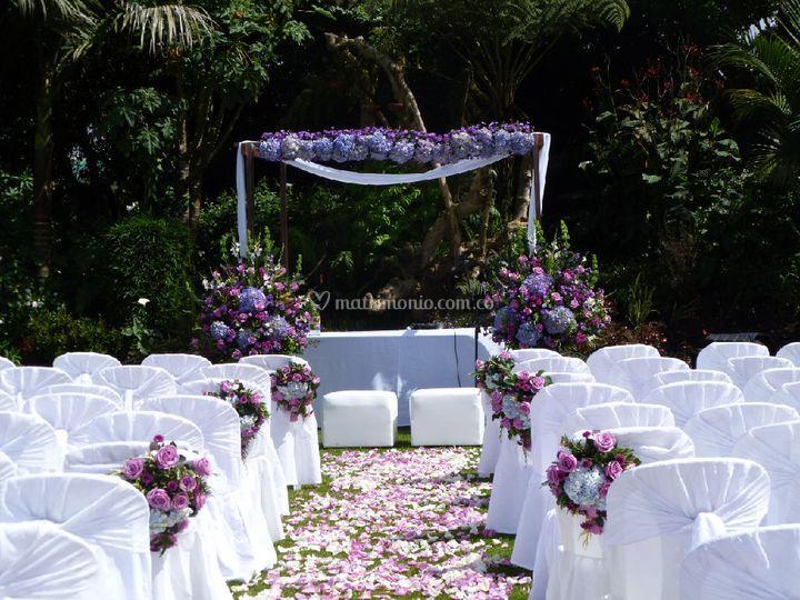 Flor y mantel for Ambientacion para bodas