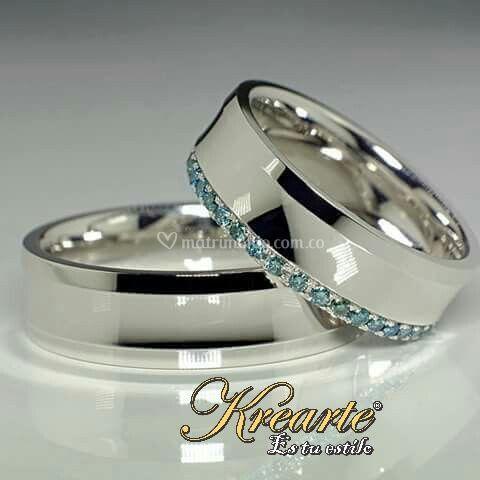 Oro blanco y diamantes azules