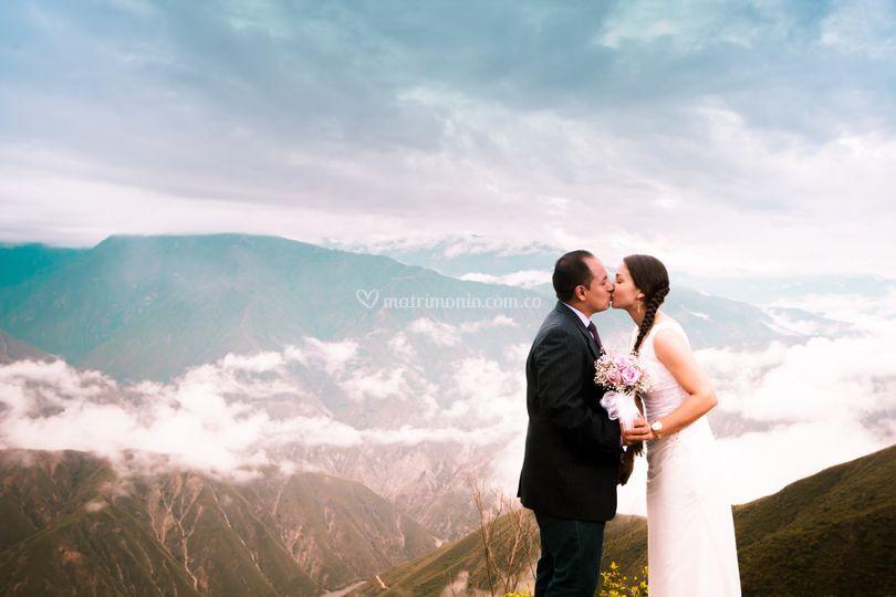 Mas besos boda